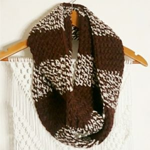 ♡Hademade maroon white chunky knit infinity scarf